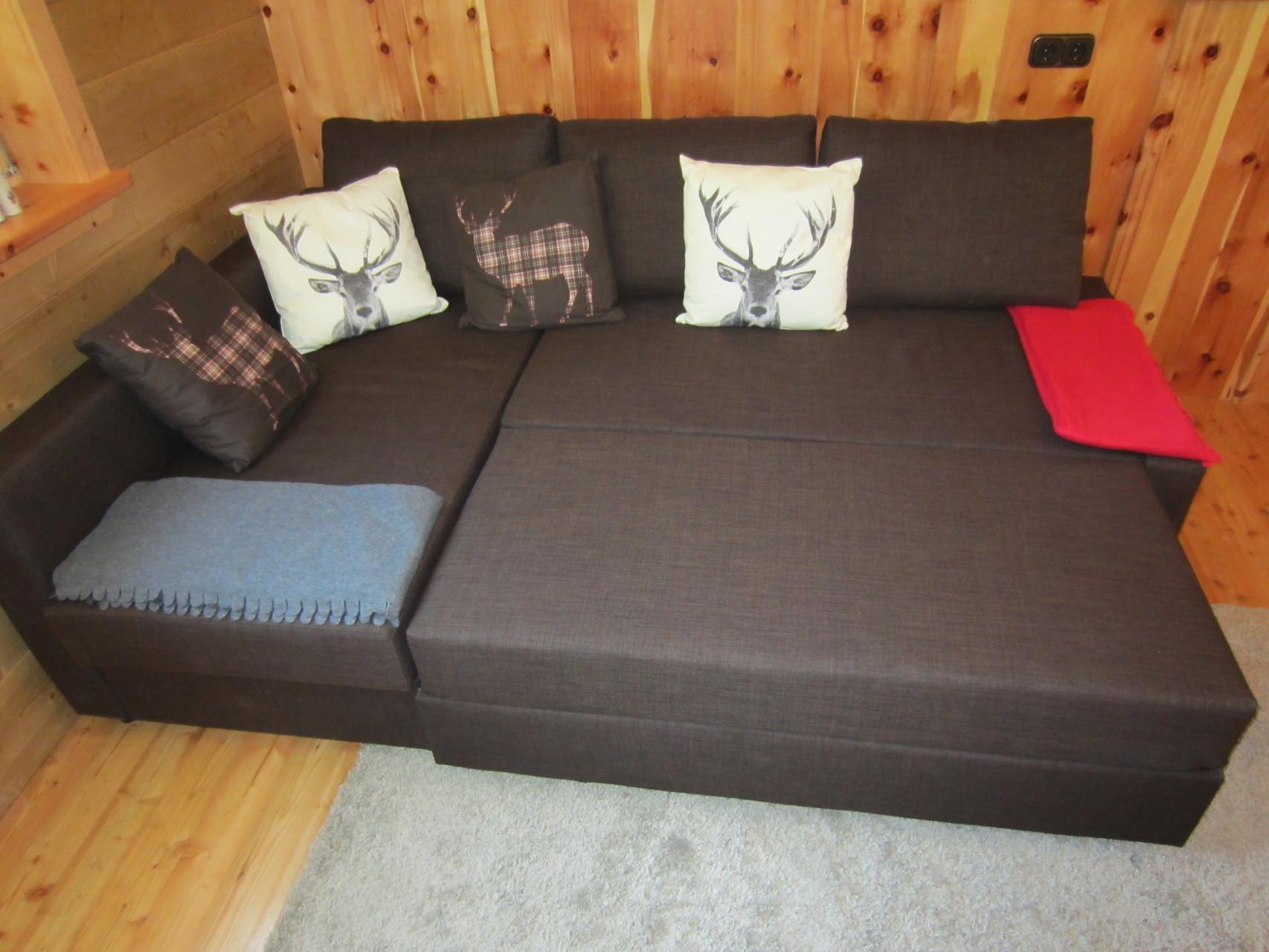 alternative Schlafmöglichkeit zum Hochbett, die ausziehbare Couch (200 x 200cm)