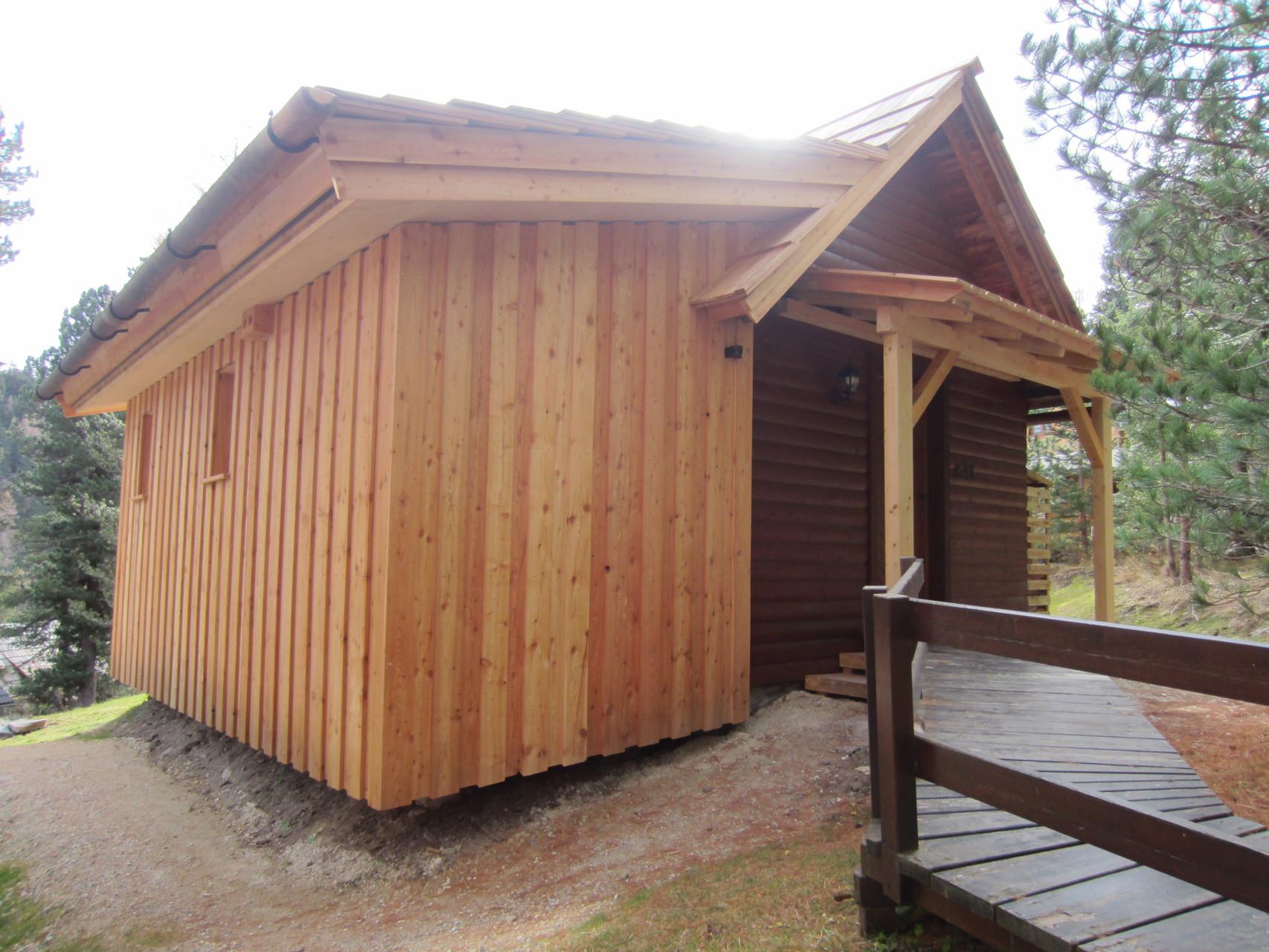 Zirbenwald-Chalet Turracher Höhe - Eingangsbereich mit Vordach