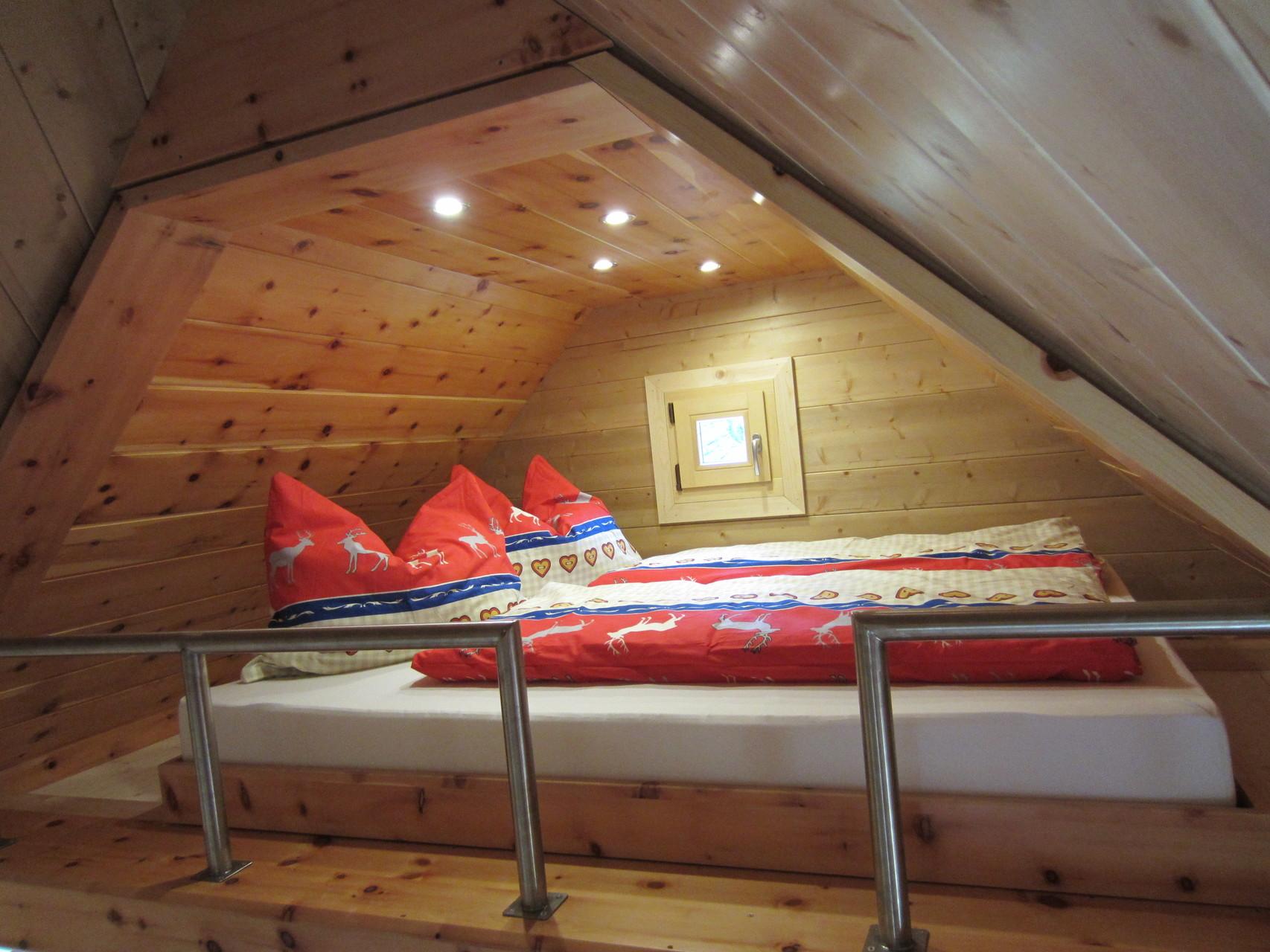 Schlafbereich für 2 Erwachsene (160 x 200cm)