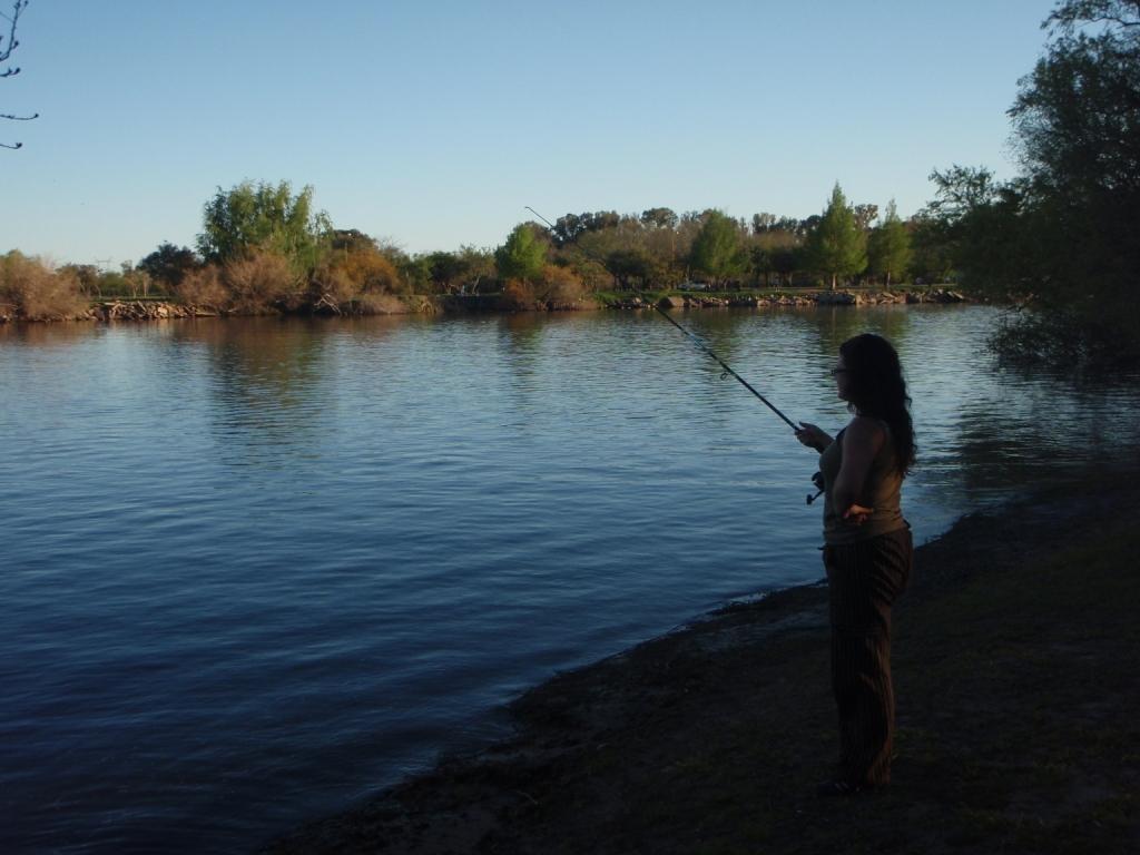 Wir probierten uns beide beim angeln...