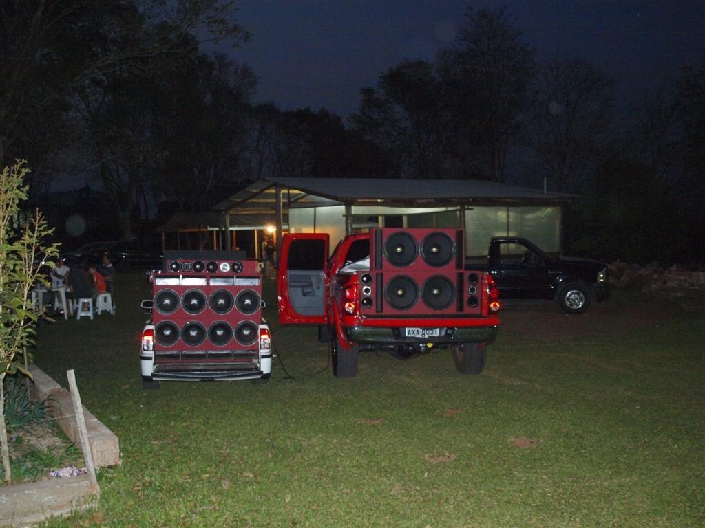 Wir wurden von Team und Familie in die Samstag Abende eingeweiht und so verbringen Brasilianer ihre Wochenende