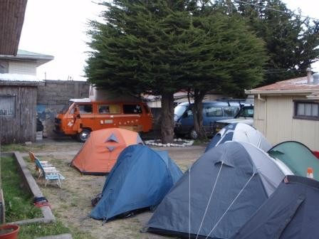 Hinterhof Camping in Punta Arenas. Hostal Independencia, sehr empfehlenswert