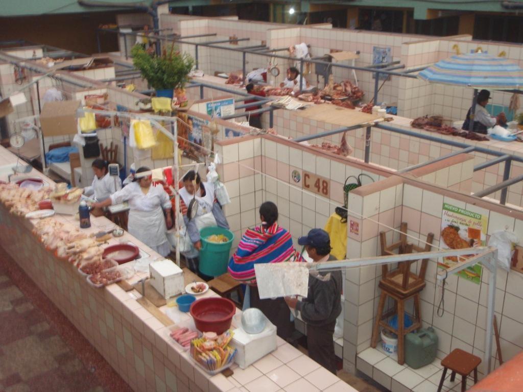 Einheimischer Mercado,hier die Fleischabteilung