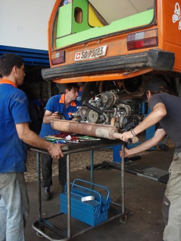 und am anderen Tag der neu revidierte Motor wieder eingebaut!