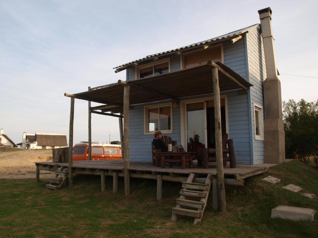 in Uruguay angekommen, mieten wir uns erstmals ein Cabana in Punta del Diablo