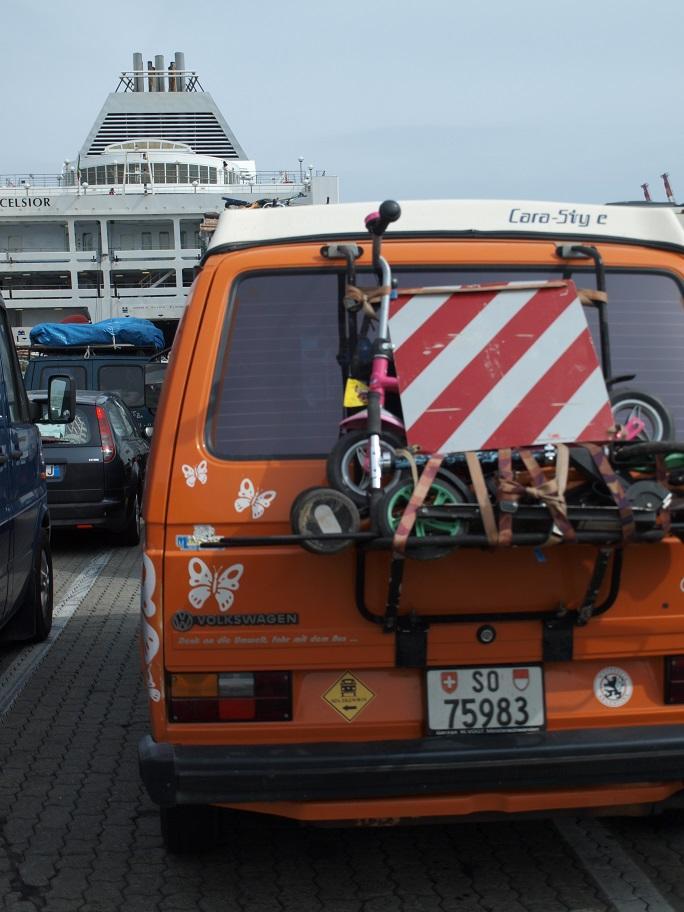 Da sind wir! Am Hafen von Genua...