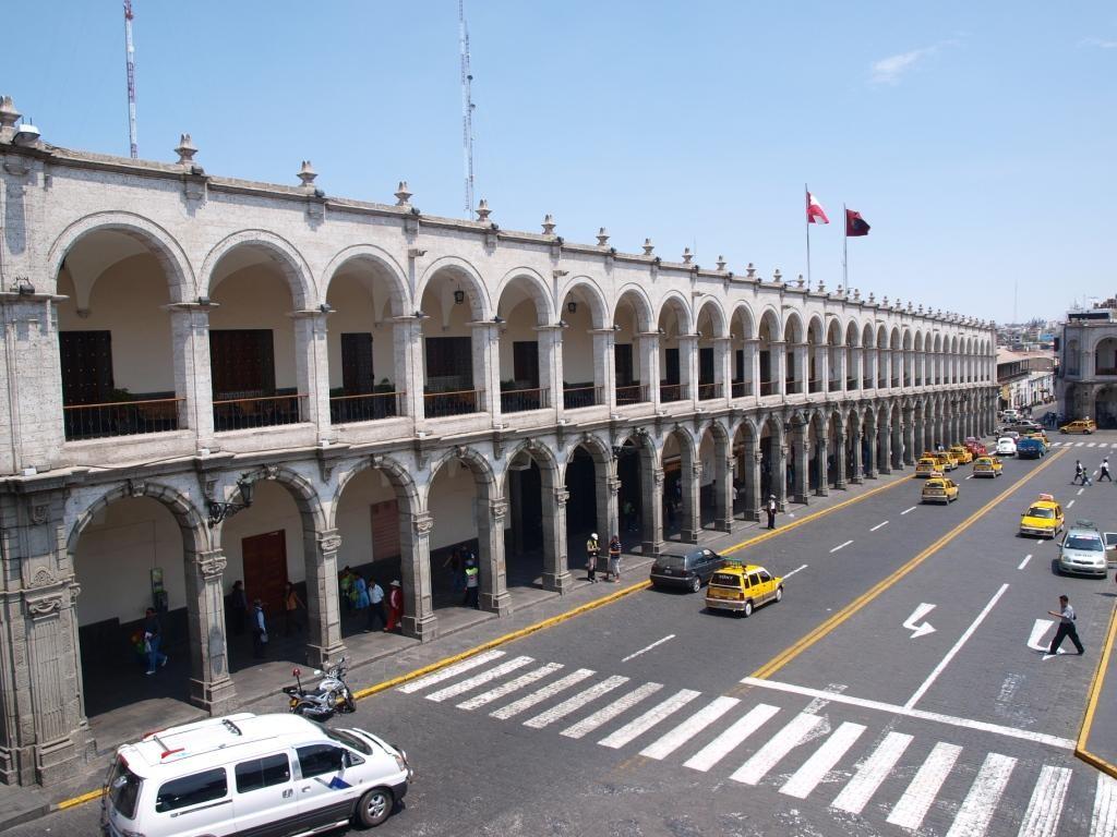damit wir hierher fanden. Der wunderschöne Plaza de Armas in Arequipa