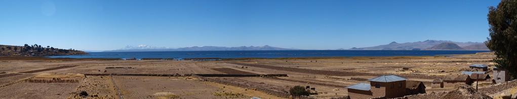und hier ist er auch schon, tiefblau und riesengross auf 3800m.ü.M
