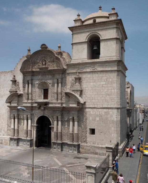 und eine der unzähligen Kirchen