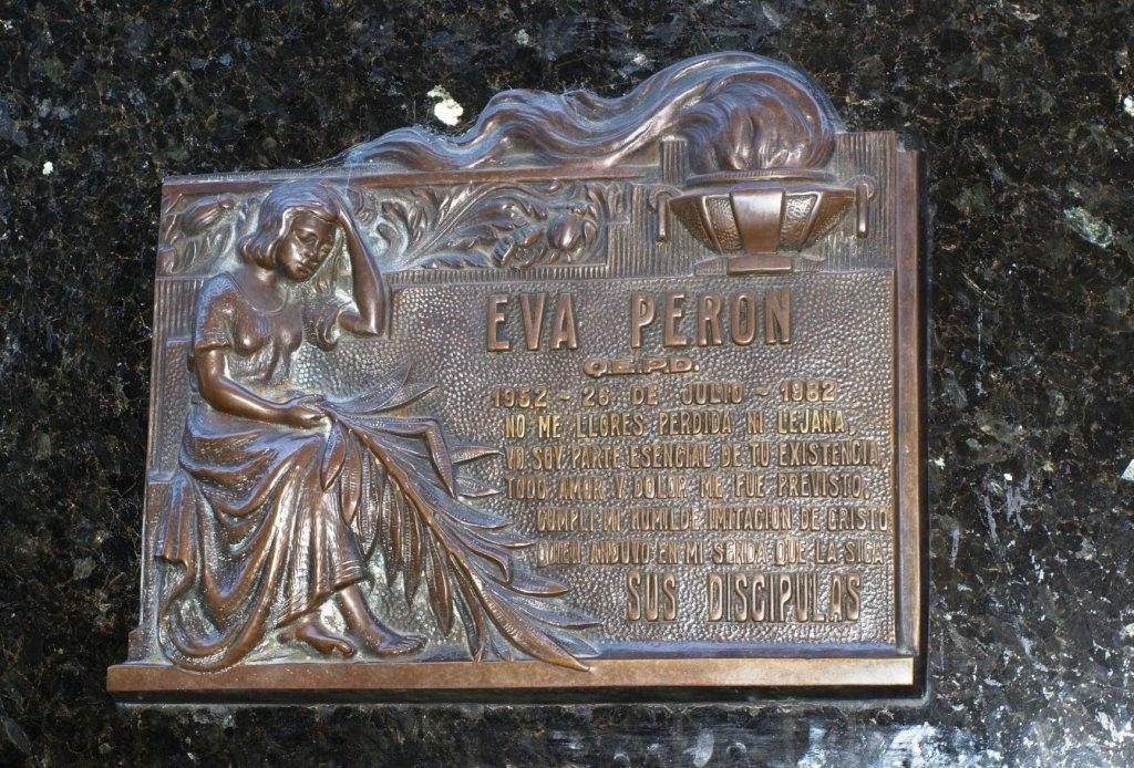 ein Besuch bei Evitas Grab ein Muss