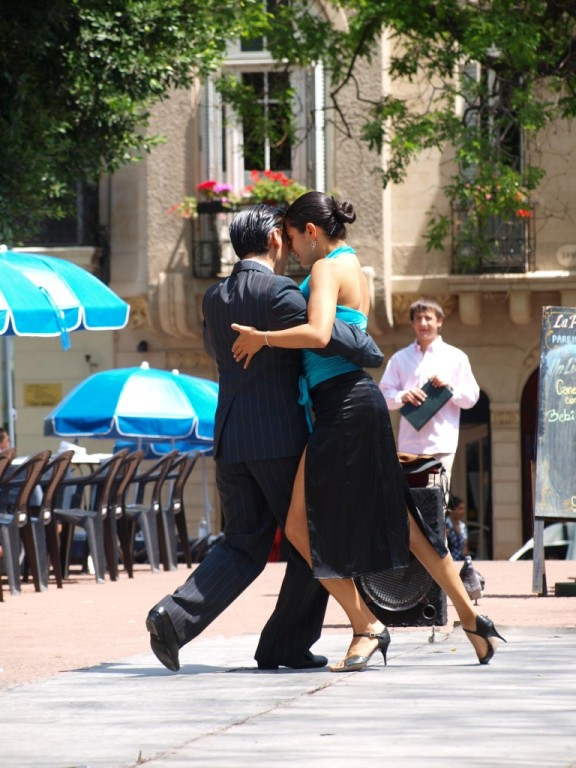 und da tanzen sie schon Tango...