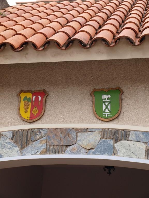 aber viele Häuser tragen stolze Wappen
