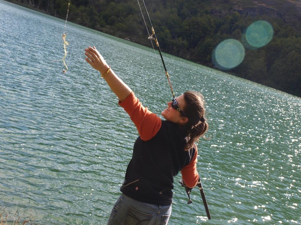 Jeannine beim angeln....