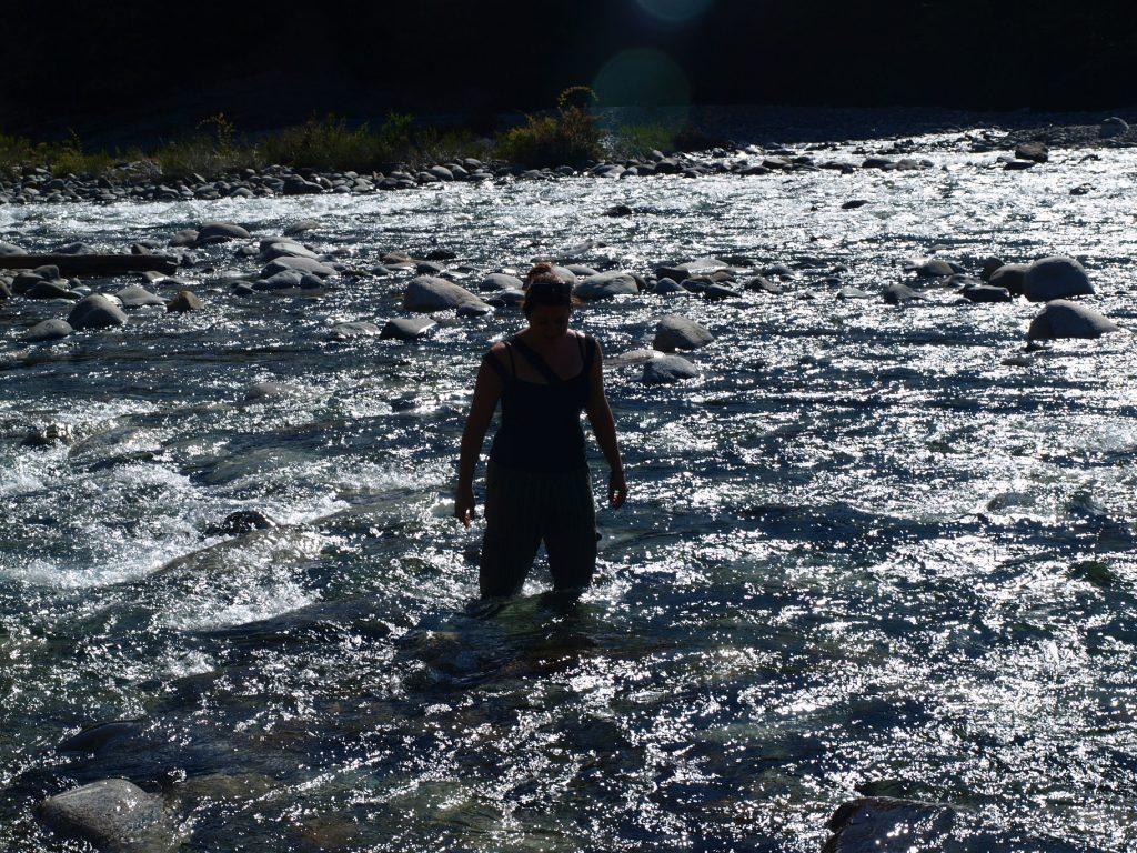 ...und durch das ar....kalte Wasser...