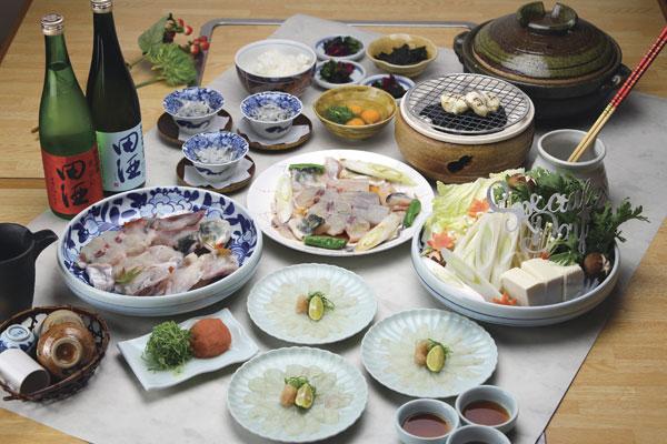 ■とら福コース ¥5,000 てっさ、てっぴ、てっちり、雑炊 ■ふく福コース ¥6,000 てっさ、てっぴ、てっちり、雑炊