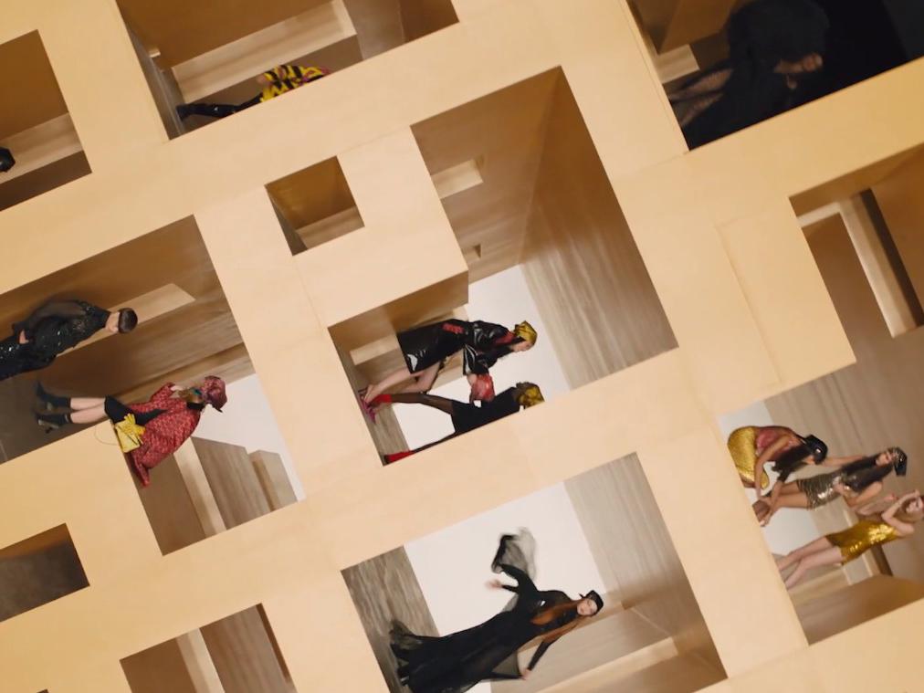 FW2021// La Greca: perdersi nel fashion labyrinth firmato Versace