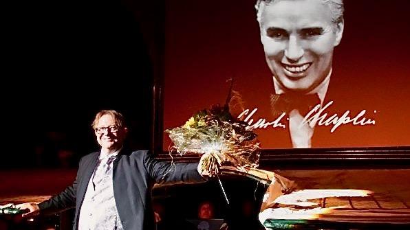 """Dirigent der erfolgreichen """"Movie-Night meets Charlie Chaplin"""" bei den Eutiner Festspielen"""