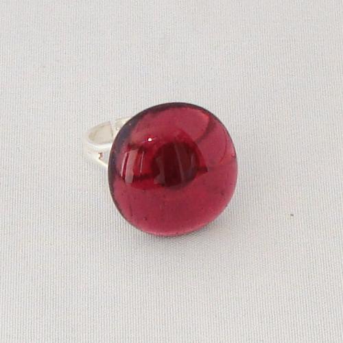 R3276. Helder rose glas. afm. ca. 1.5x1.5 cm.    €6.50.