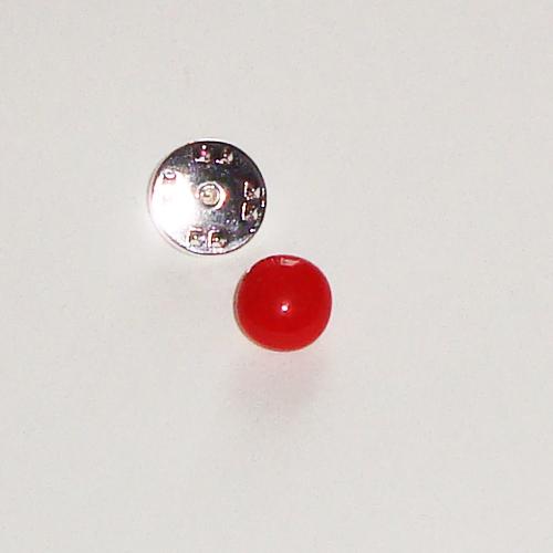 A1435. Pinbroche, rood opaal glas.  maat steentje ca. 1 cm.     €3.50.