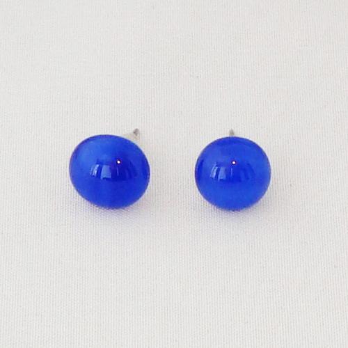 E1204. Blauw gemarmerd opaal glas. afm. ca. 10 mm.   €6.50.