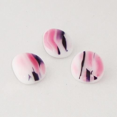 P1123. Easy button stenen van wit/rose en zwart gemarmerd opaal glas.     per stuk €2.00 en 3 voor €5.00.