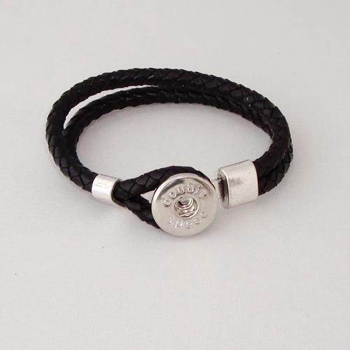 P1173. Easy button armband van leer, zwart. binnenlengte ca. 17.5 cm.     €7.50.