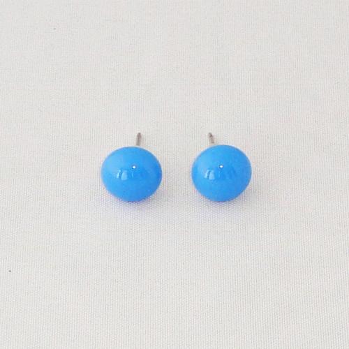E1191. Licht blauw opaal glas. afm. ca. 9 mm.   €6.50.