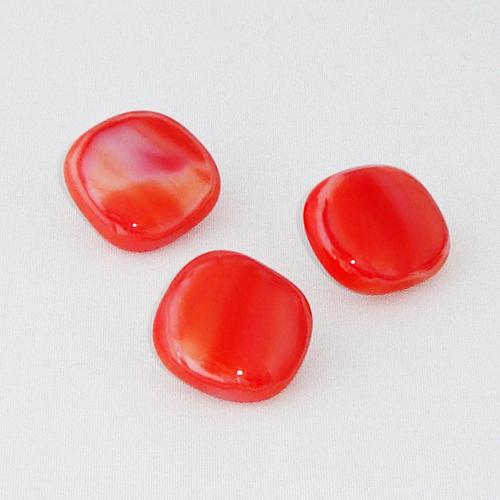 P1159. Easy button stenen van rood met wit gemarmerd opaal glas.     per stuk €2.00 en 3 voor €5.00.