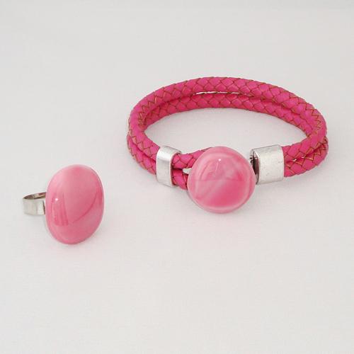 S5917. Roze gemarmerd opaal glas.        €15.00.