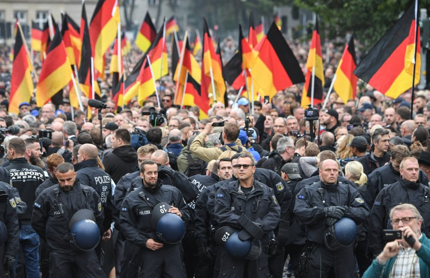 Police barrier during demos in Chemnitz