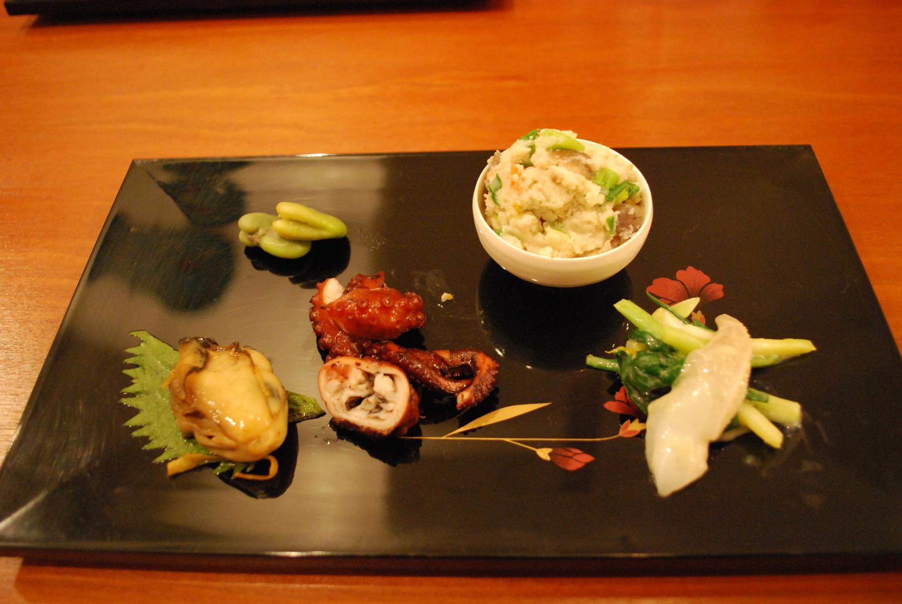 Repas traditionnel avant la cérémonie du thé