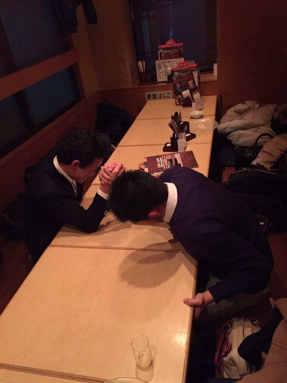 忘年会名物☆腕相撲大会!
