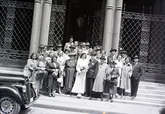 Family celebrating a wedding in Rumbach synagogue