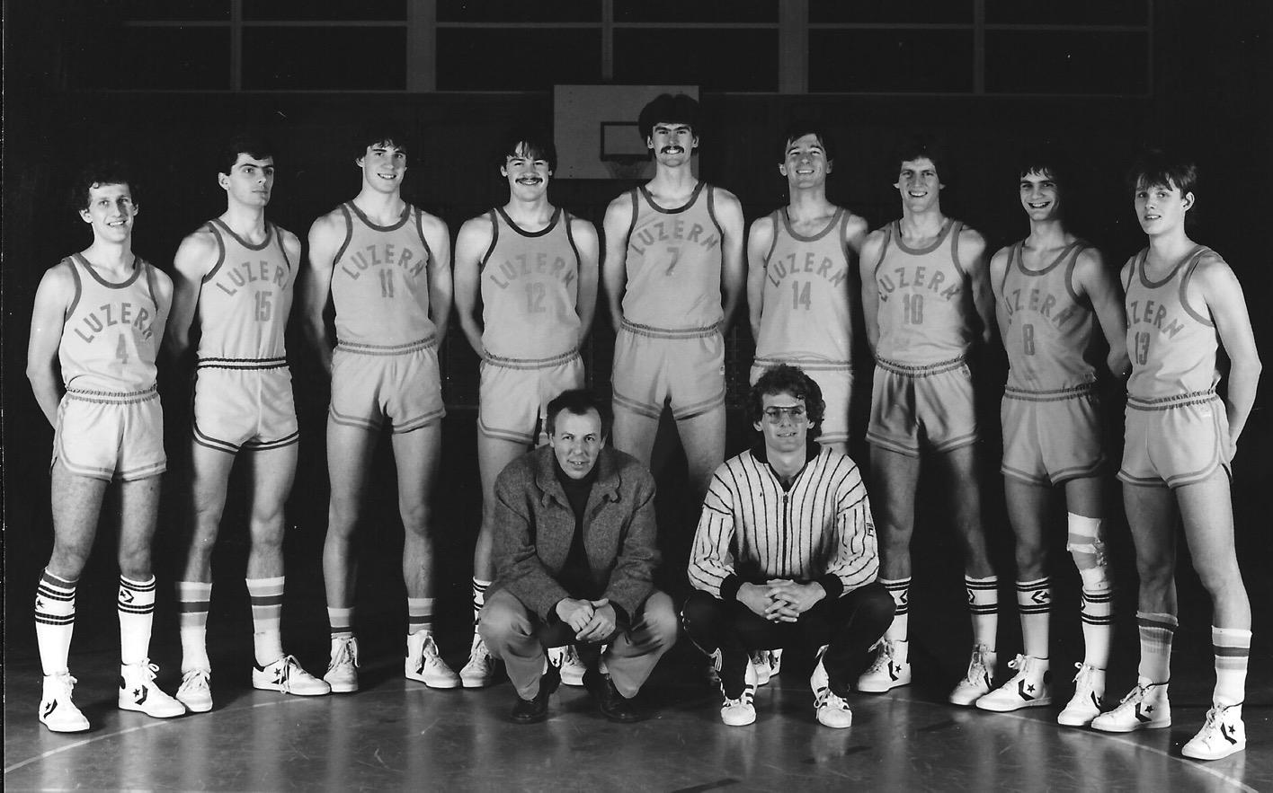 1982/1983 - STV Luzern Herren - mit Assistant Rick Taylor (vorne rts.), Dave Netherton (7) und Randy Johnson (10)
