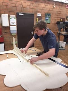 Herstellung der Bäume durch Schülerinnen und Schüler der BBS Springe