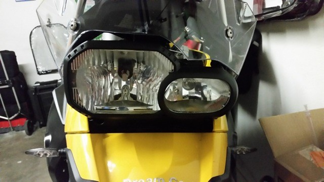 BMW F800GS monta Kit LED Moto mod. TKL9-H7-Upgrade -  CANBUS - Particolare Faro Frontale