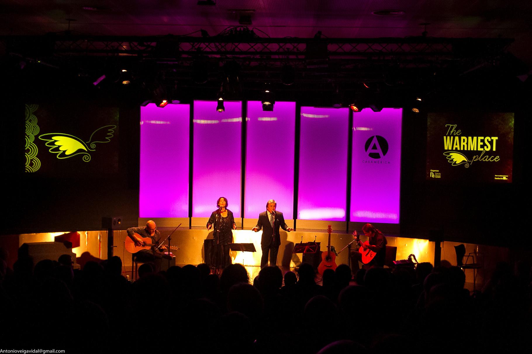 Julio García, Isidro Solera (guitarras), Rubén Melogno (voz), Carmen Ros (coros)