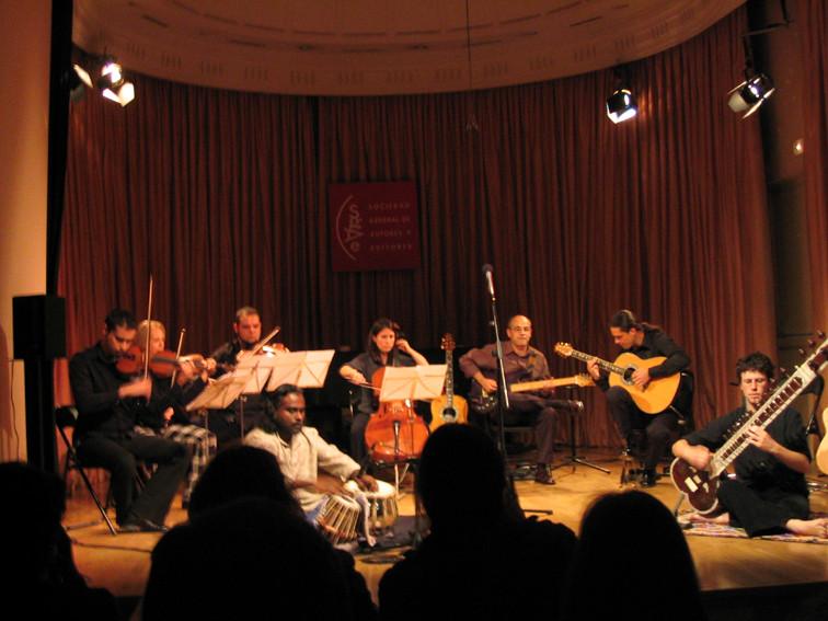 Ars Ensemble, Nantha Kumar (tabla), Isidro Solera (guitarra sintetizada), Julio García (guitarra)