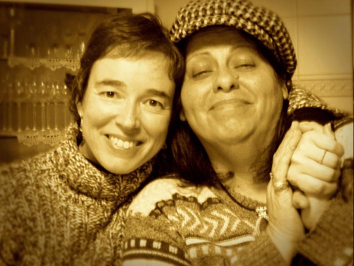 Carmen Ros (coros) y Lenna Pablo (voz)
