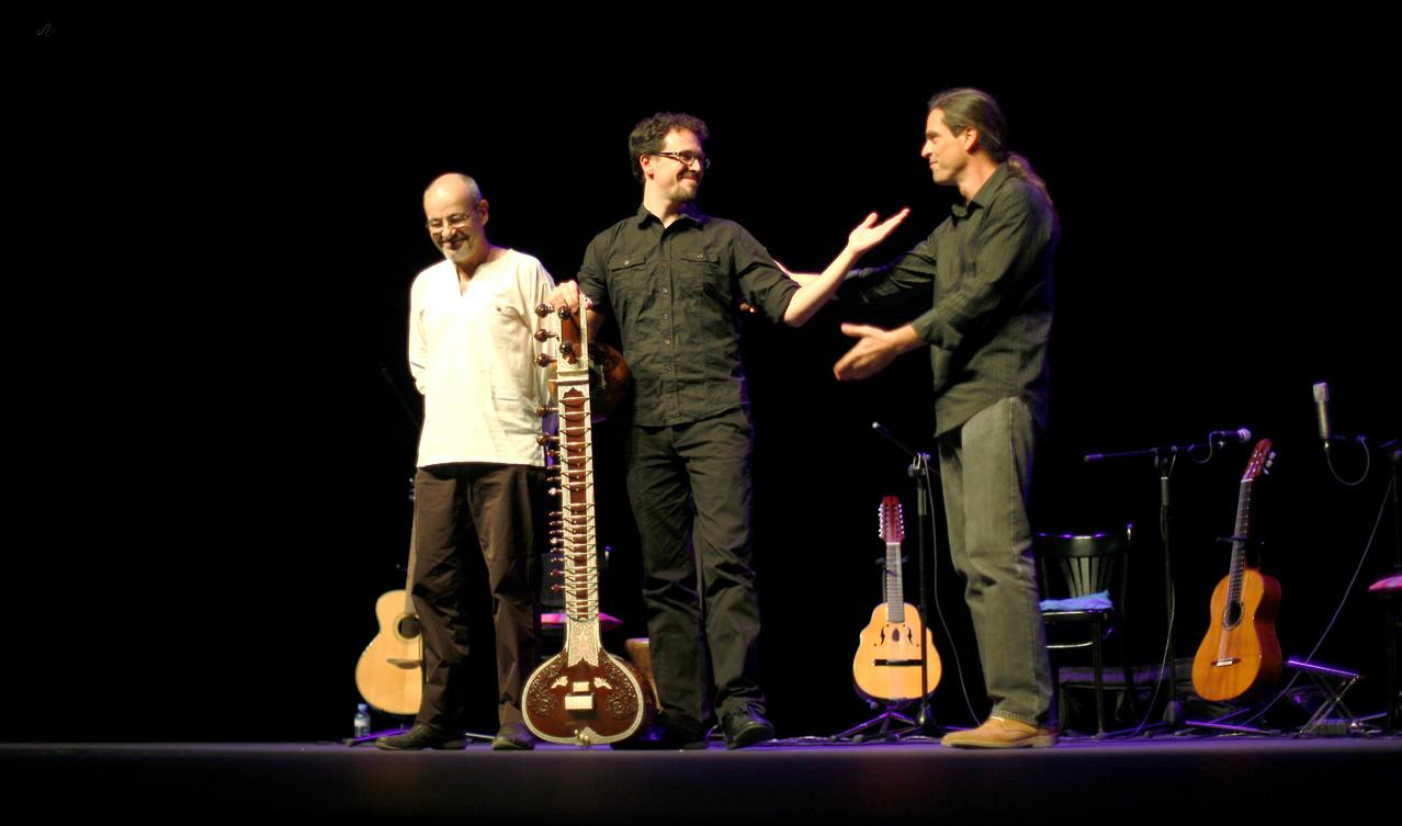 Julio García con Isidro Solera y Rodrigo Munuera.  Foto: Miguel Molinares