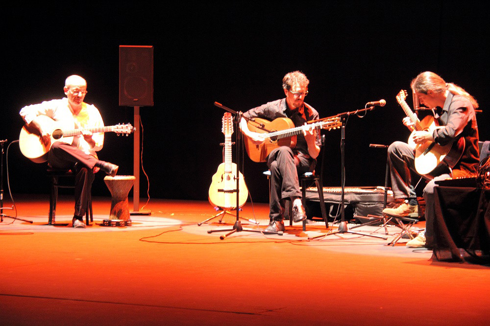 Julio García con Isidro Solera y Rodrigo Munuera.  Foto: Ricardo Solanes