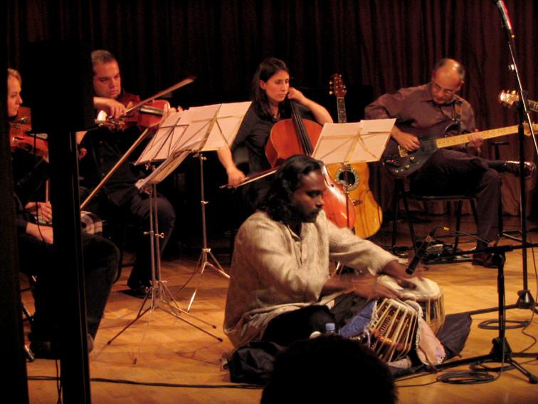 Ars Ensemble, Nantha Kumar (tabla), Isidro Solera (guitarra sintetizada)