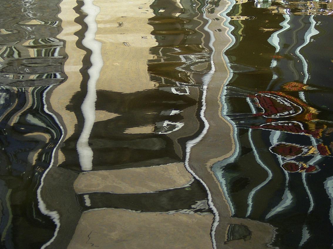Lienzo de agua (Canal en Amsterdam. Holanda)