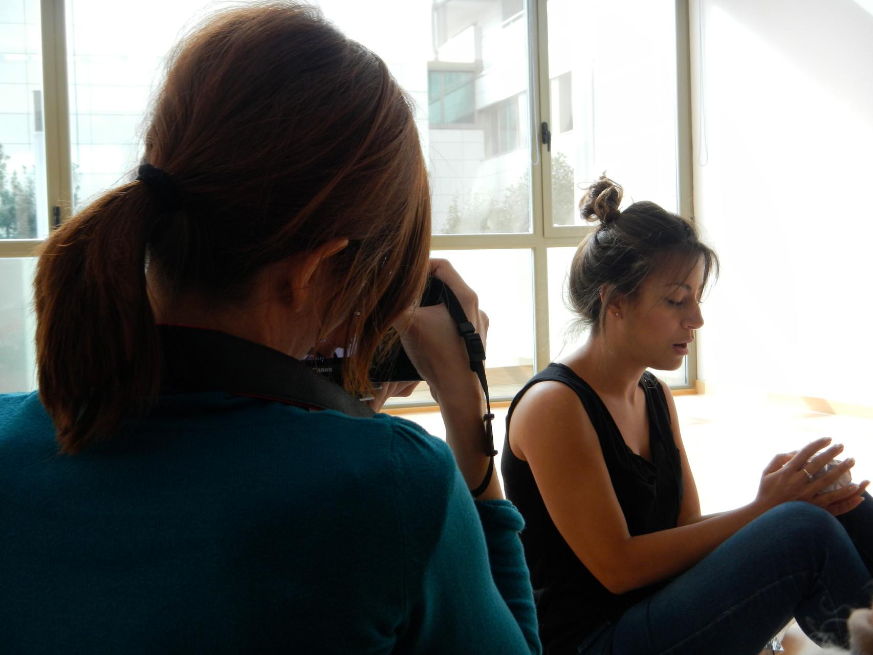 Almudena M. Castro, graba a Marisa Tolentino, para el videoclip Papers