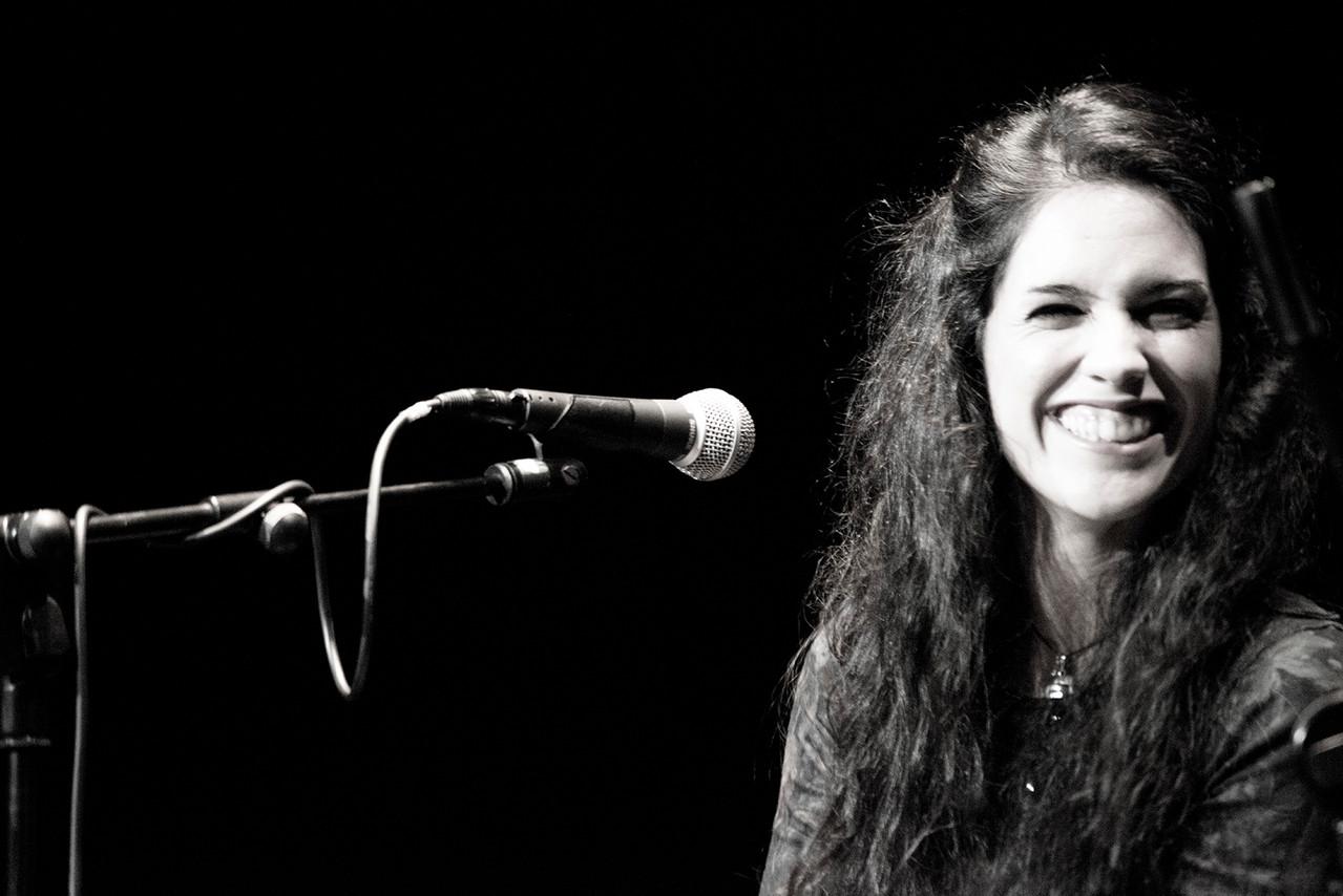 Lara Rosales