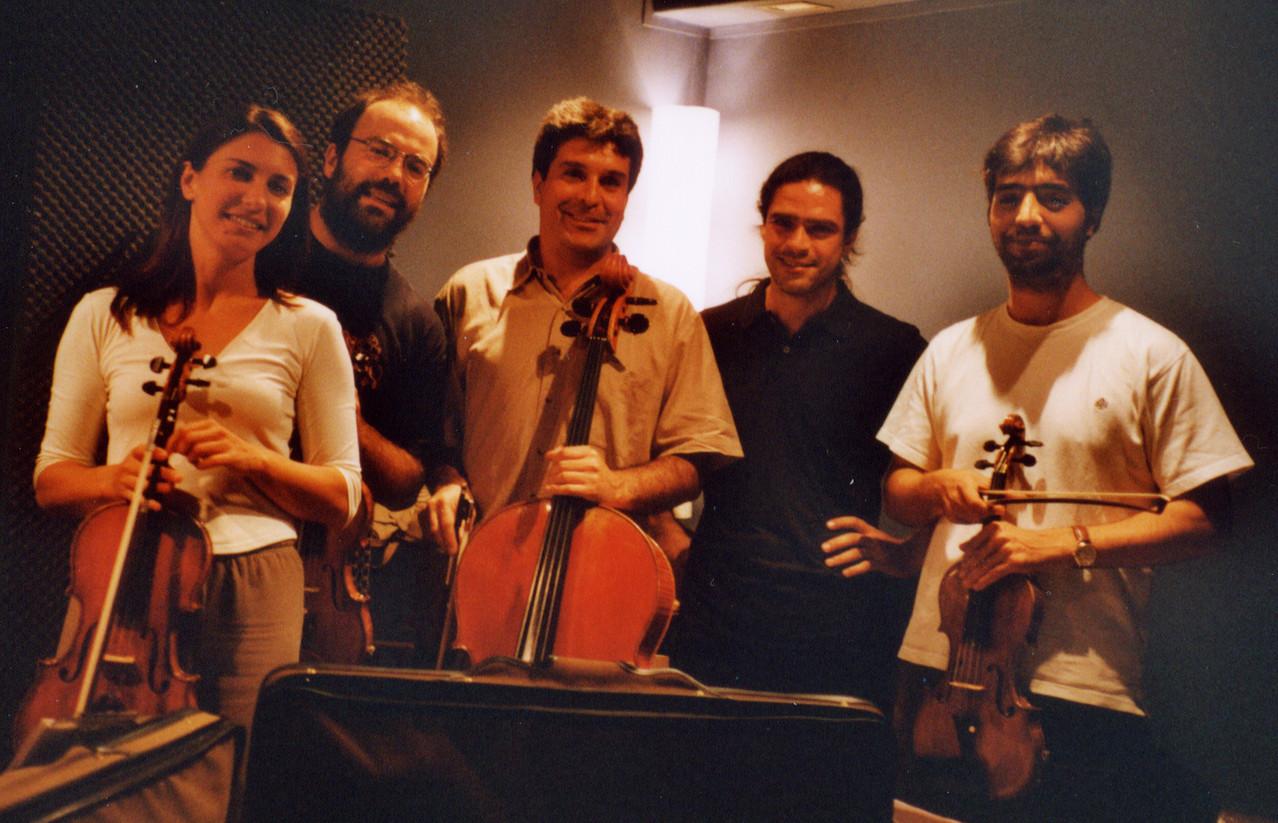 Julio con el cuarteto de cuerda: Cristina, Javier, Miguel y Juan Luis