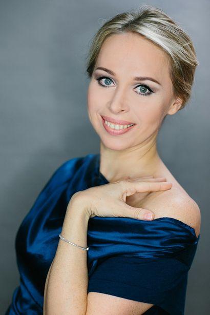 OLGA CZERWINSKI,  Lyrischer Sopran in der KRYPTA