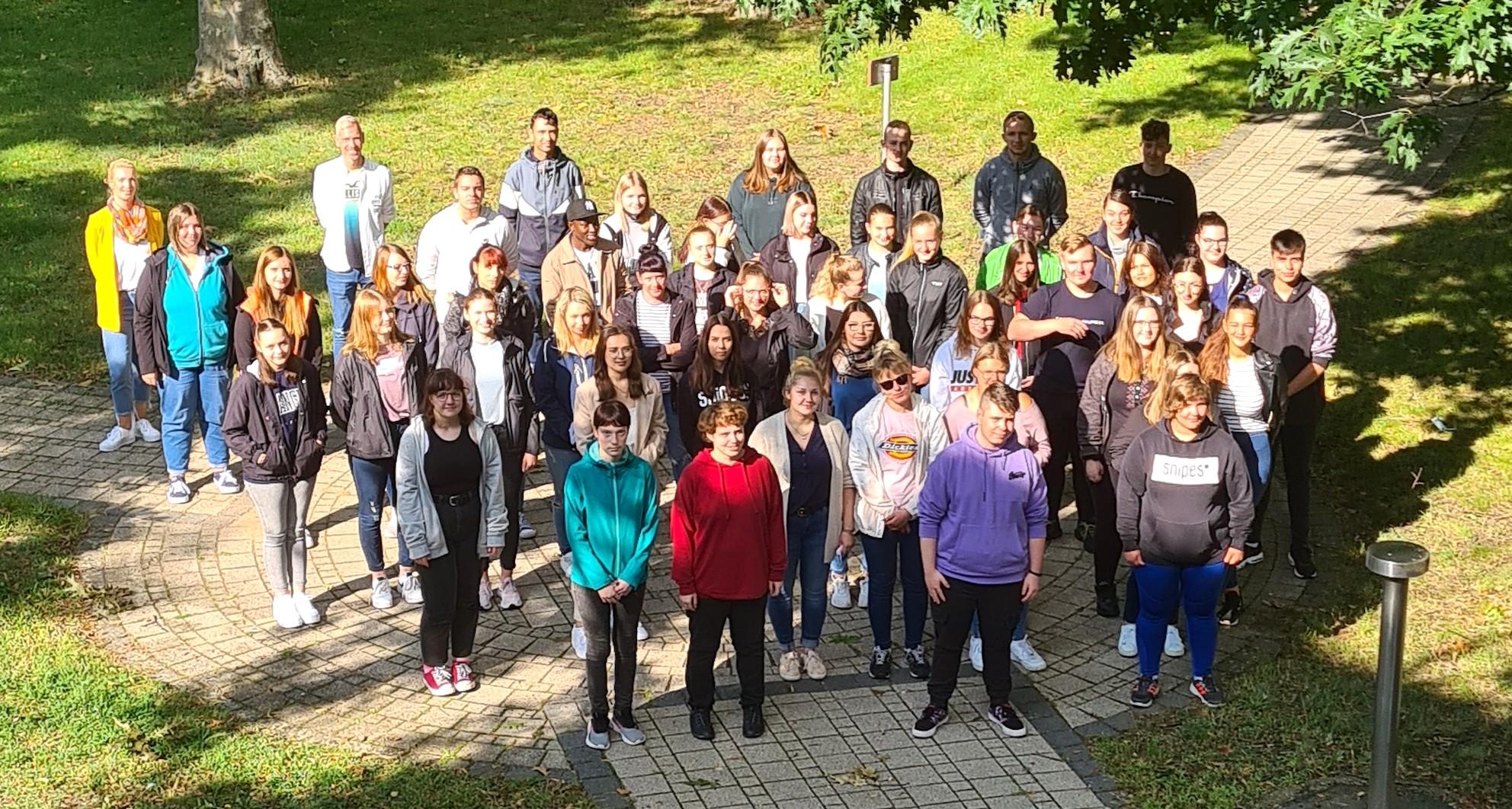 51 junge Leute starten in die Pflege-Ausbildung