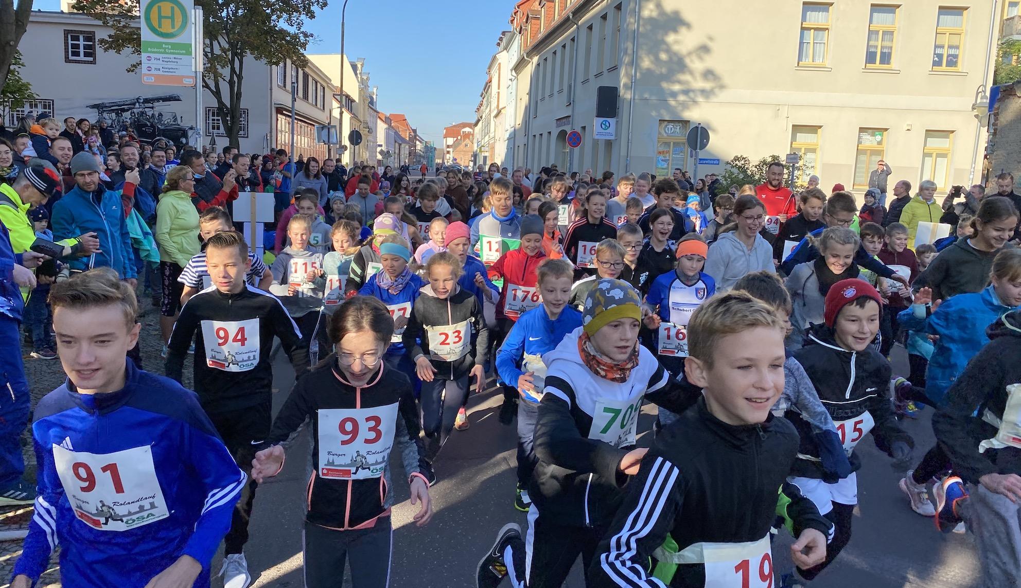 Rolandlauf 2021: Jugend sprintet den Eltern davon