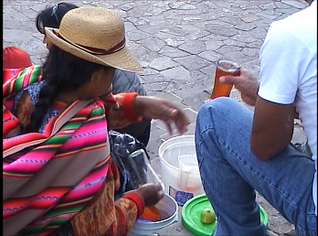 Cusco Reisebericht: Die Plaza de Armas füllt sich